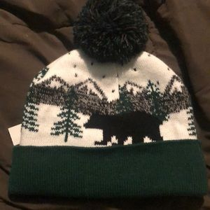 Men s partially insulated winter hat. NWT.  15  25. Size  OS · Old Navy 2ee381308792